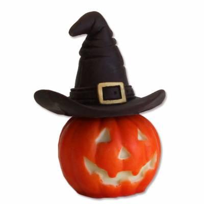 Zucca di Halloween con il cappello della strega: tutto di cioccolato e poi decorata a mano.