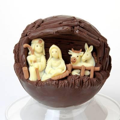 """Natale ed Epifania - """"Sfera con Presepe"""" di cioccolato"""