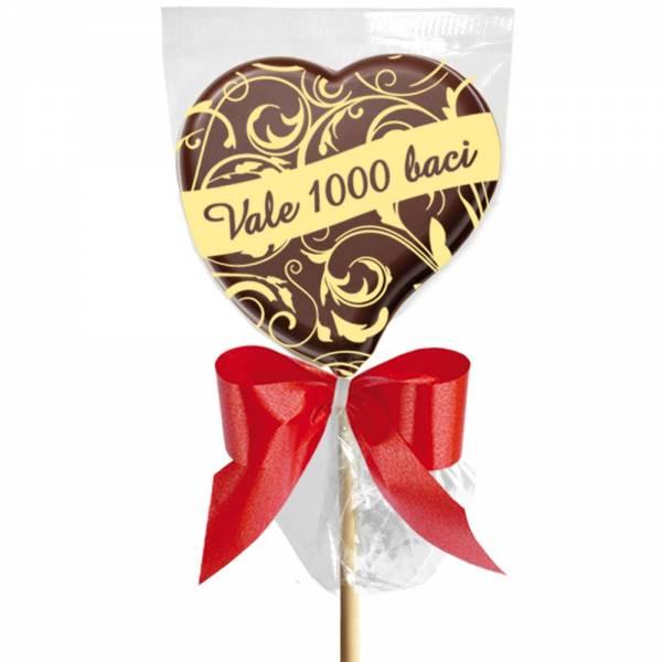 """""""Vale mille Baci""""  scritto su un delizioso lecca lecca di cioccolato."""