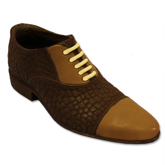 Elegantissima scarpa da uomo realizzata con tre cioccolati.
