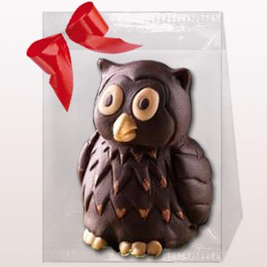 Confezione di Gufetto di cioccolato decorato a mano e con fiocco sigillo