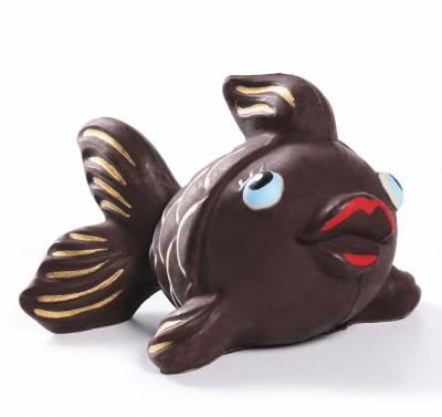 pesce-di-cioccolato-artigianale-con-particolari-dipinti-a-mano