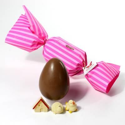 Uovo di Pasqua con incarto a forma di caramella