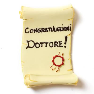 Pergamena di Laurea di cioccolato decorata a mano