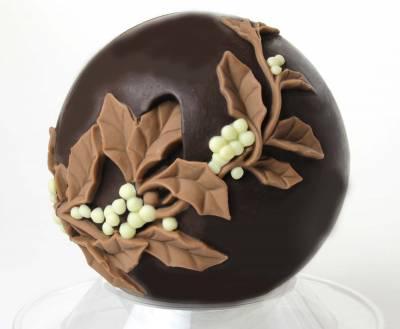 """Natale ed Epifania - """"Sfera con Agrifoglio"""" di cioccolato"""