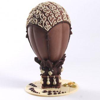 Uovo di Pasqua artigianale Mongolfiera con coniglietti