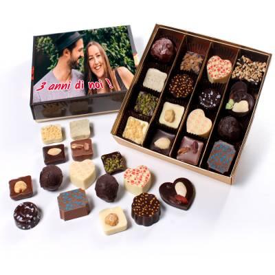 Scatola regalo personalizzata di cioccolatini assortiti