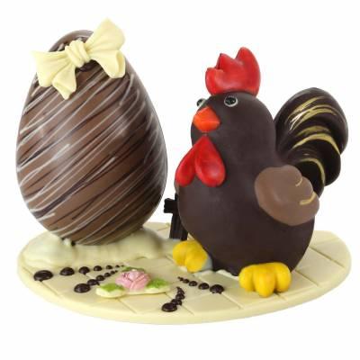 Composizione-di-cioccolato-con-Gallo-e-uovo-di-Pasqua-19023