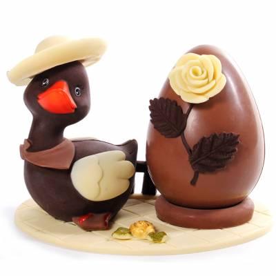 Composizione-di-cioccolato-Anatroccolo-cappello-femminile-12002
