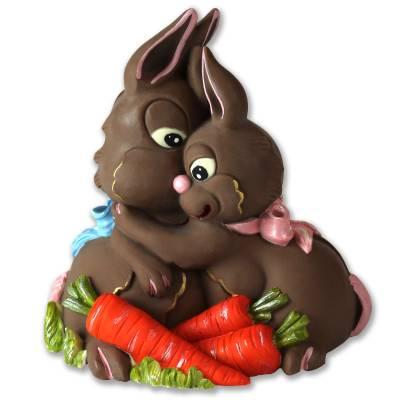 Coppia-Conigli-abbracciati-di-cioccolato